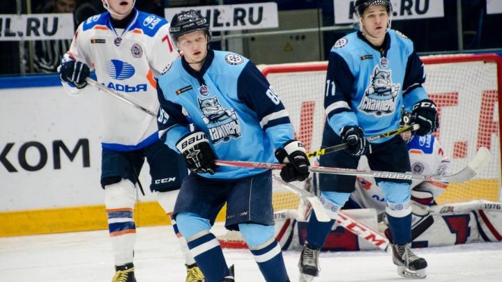 Хоккей: «Сибирские снайперы» одолели «Ладью»