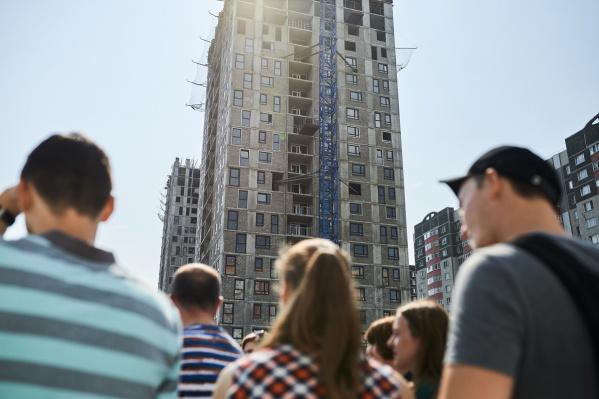 И остальные тоже кончаются! Успейте выбрать в сентябре квартиру с лаундж-балконом и мастер-спальней