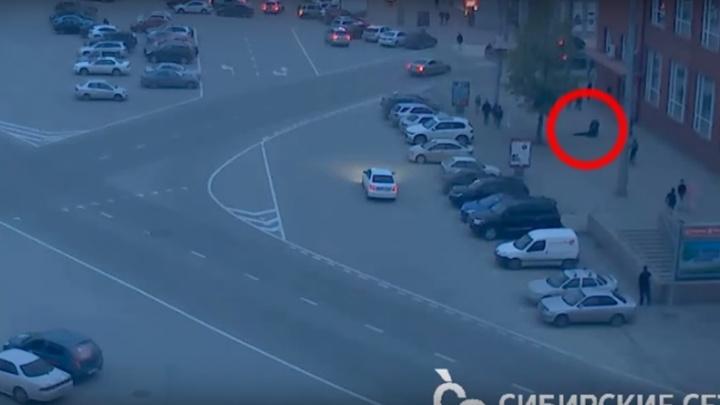 Новосибирец вступился за девушку на площади Ленина и попал под уголовное дело