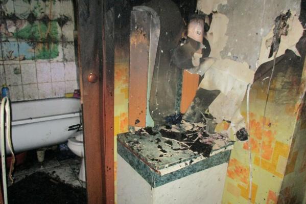Так сейчас выглядит квартира, в которой вспыхнул огонь