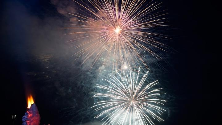 На День города в Омске фейерверк будут запускать из двух точек
