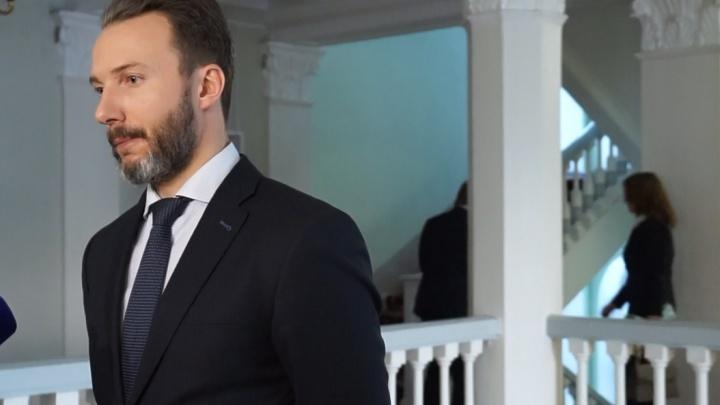 Чиновники обвинили в цинизме журналистов за интерес к урне с прахом Хворостовского