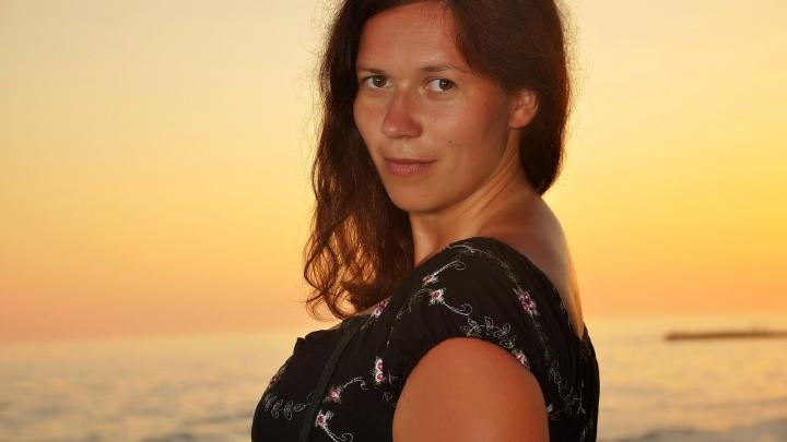 «Сутки шли пешком»: екатеринбургские спасатели доставили тело погибшей туристки на базу