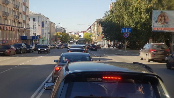 «Мы видим, плохо, что владелец дорог не видит»: ГИБДД Кургана о пробках у гостиницы «Москва»