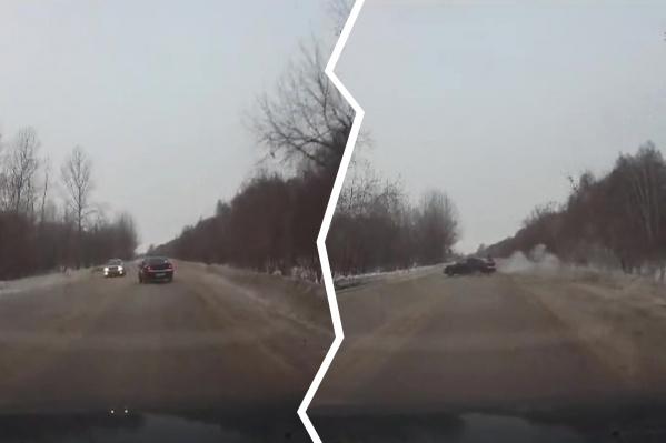 На Толмачёвском шоссе постоянно происходят аварии из-за колеи