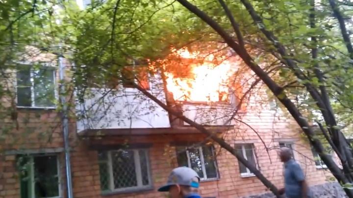 Ревнивец поджег дом своей жены и лишил жилья четыре семьи. Женщина погибла