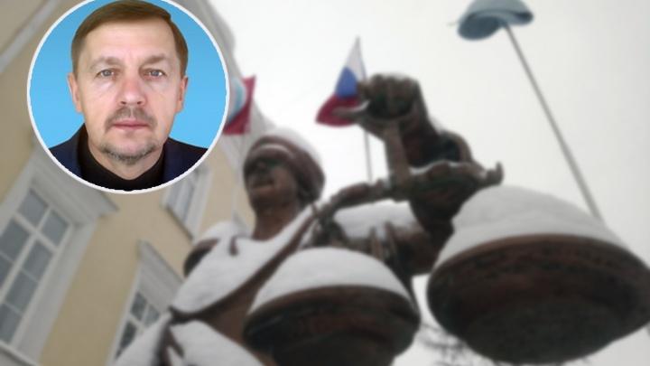 Умер 58-летний преподаватель омской юридической академии Анатолий Иващенко