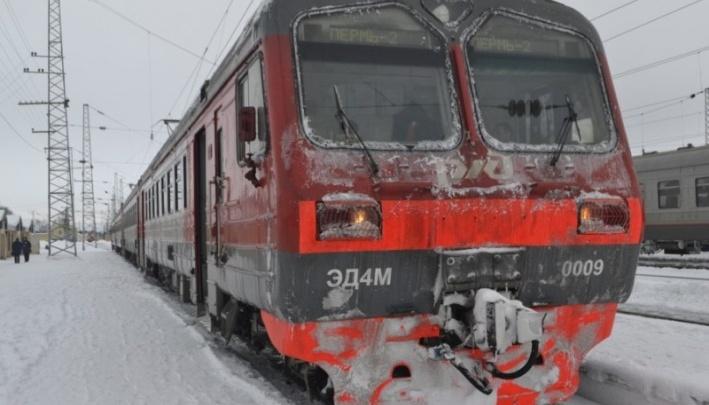 В Перми женщина погибла под колесами пассажирского поезда