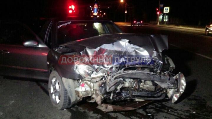 В Уфе в лобовом столкновении иномарок пострадала непристегнутая пассажирка