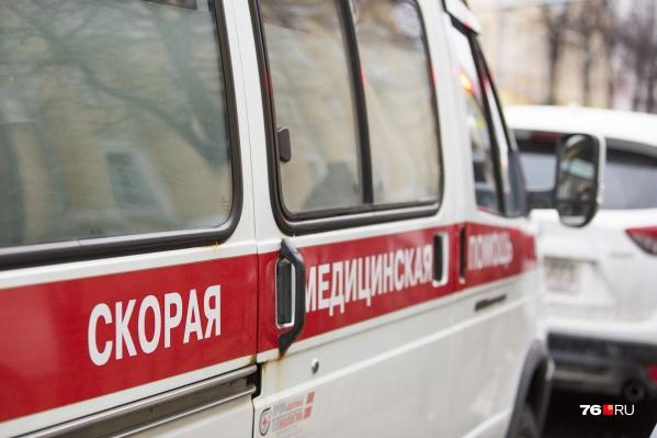 Пострадавшую женщину увезли в больницу