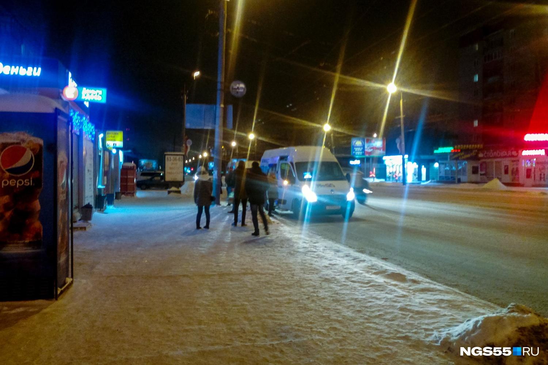 Остановка«КДЦ Кристалл». Фото Ирины Алексеевой