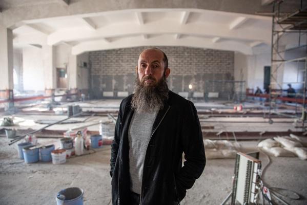 Мы встретились с Владимиром Кехманом в НОВАТе — Новосибирском театре оперы и балета, где сейчас идет реконструкция