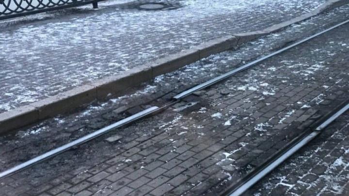 Трамвайные рельсы в центре Челябинска пообещали починить до конца недели