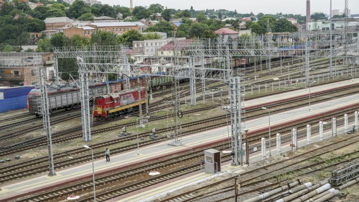 Делала селфи на крыше поезда: в Зимовниках 14-летняя школьница получила тяжелые ожоги
