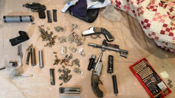 Полиция накрыла подпольную оружейную мастерскую в центре Новосибирска