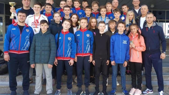 Свердловские школьники завоевали 8 золотых медалей на всероссийских соревнованиях по карате