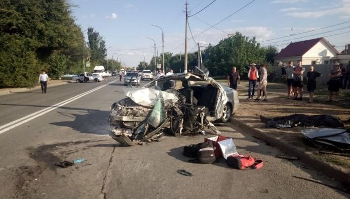 «Несколько дней пролежал в коме»: в Волжском хоронят пассажира иномарки, разогнавшейся до 160 км/ч