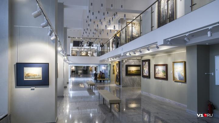 Волгоградский музей ИЗО имени Машкова два года не платил строителям за ремонт выставочного зала