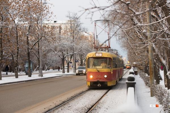 Движение трамваев остановят полностью, а автобусы будут объезжать перекрытый участок