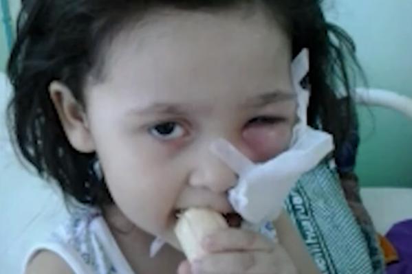 Девочке удалили сначала один зуб, потом другой, потом — еще один. Как оказалось, у больницы, где ребенку выдирали зубы, не было лицензии на стоматологическую деятельность