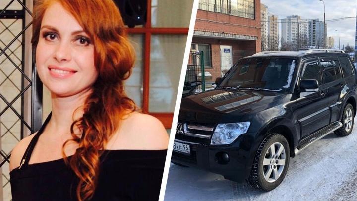 Снес шлагбаум и укатил: на Уктусе наглый автовор похитил внедорожник организатора «Недели моды»