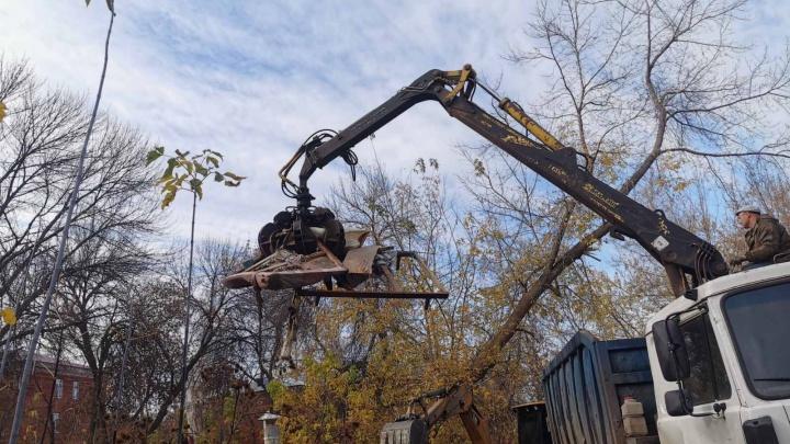 Засыпают погреба: в мэрии Самары рассказали, как борются с мусором после снесенных гаражей