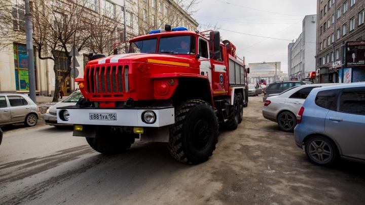 «Мерседес» вылетел наперерез пожарным: машина не попала на вызов