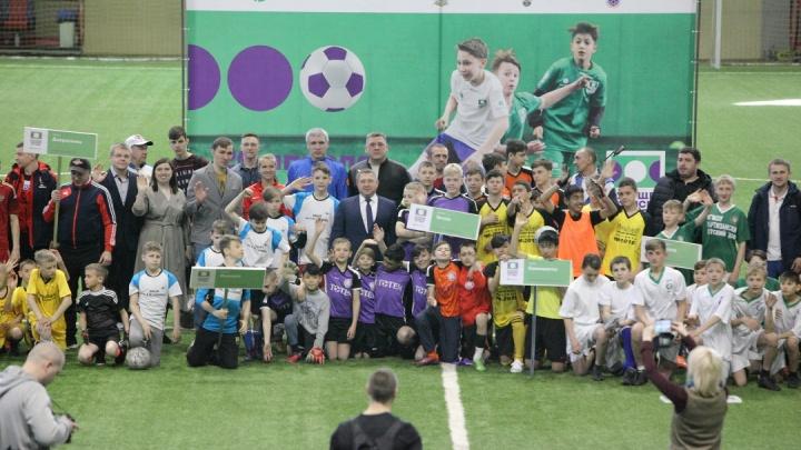 Чемпионы соревнований по футболу среди детских домов 2010 года передали эстафету новому поколению