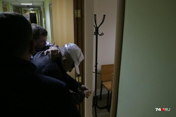 Вопрос с мерой пресечения челябинцу, прозванному в соцсетях маньяком с Северка, решали 9 октября в Калининском райсуде
