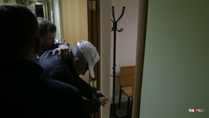 Челябинцу, подозреваемому в нападении наженщину в подъезде, продлили срок задержания