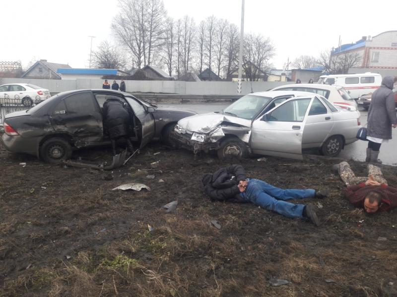 Уходя от погони, «десятка» врезалась в Nissan