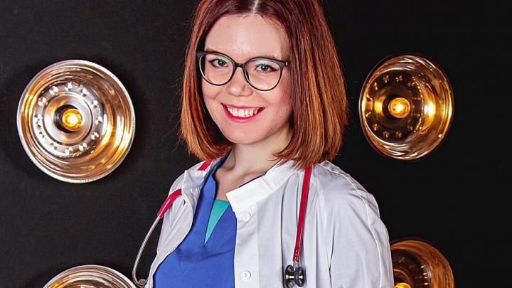 «Казалось, что дотянем»: педиатр из Архангельска спасла малыша, рожденного в самолете