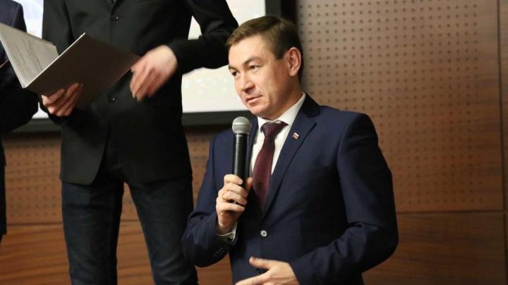 Силовики пришли за главой района в Челябинской области и его замом