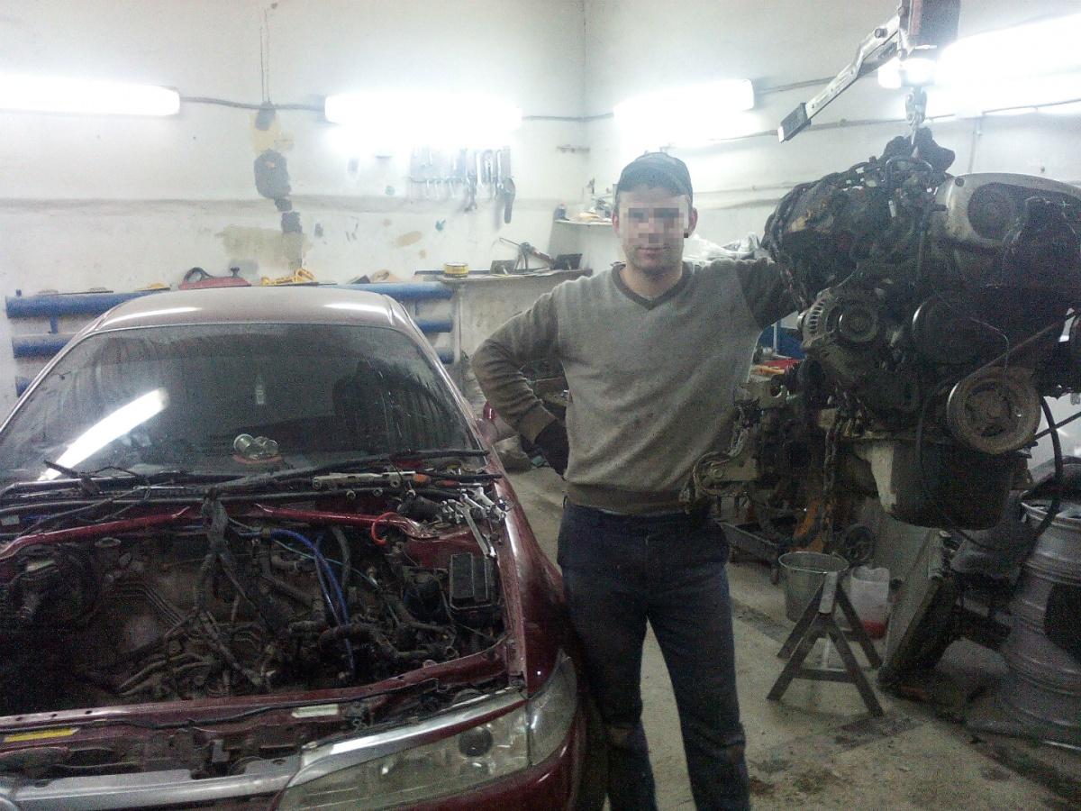 АлександрМагиленец подрабатывал автослесарем в гаражном боксе, куда привёз жертву