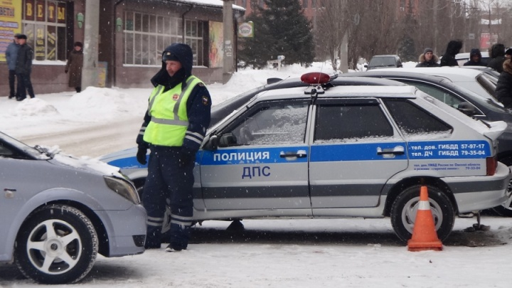 На Волочаевской 77-летний мужчина за рулём иномарки сбил двух женщин