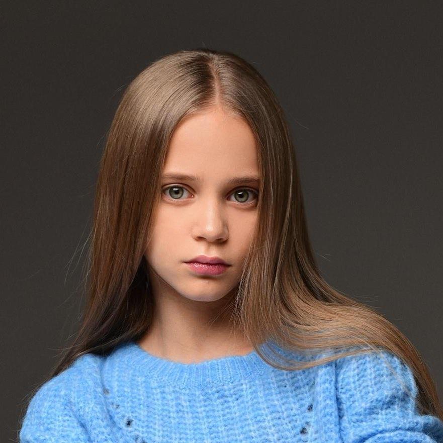 За свою короткую жизнь Алиса уже успела посотрудничать с мировыми брендами