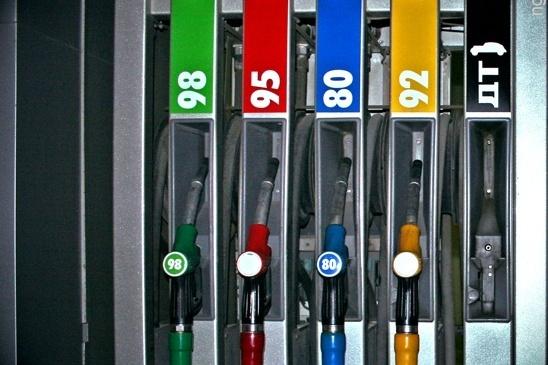 25 мая цена самого ходового бензина АИ-92 перешагнула психологическую отметку в 40 рублей за литр