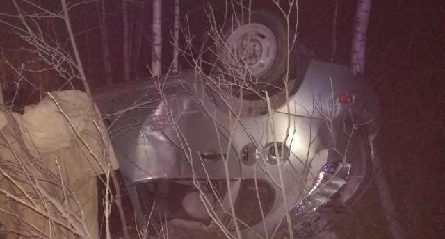 Под Верхней Салдой Lada Kalina опрокинулась на крышу, водитель впал в кому