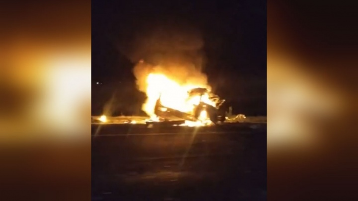 ДТП на трассе в Башкирии: легковушка превратилась в груду металла и выгорела дотла