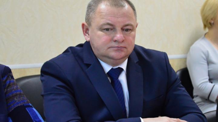 «Была недовольна его работой»: жительницу Челябинской области оштрафовали за оскорбление главы села