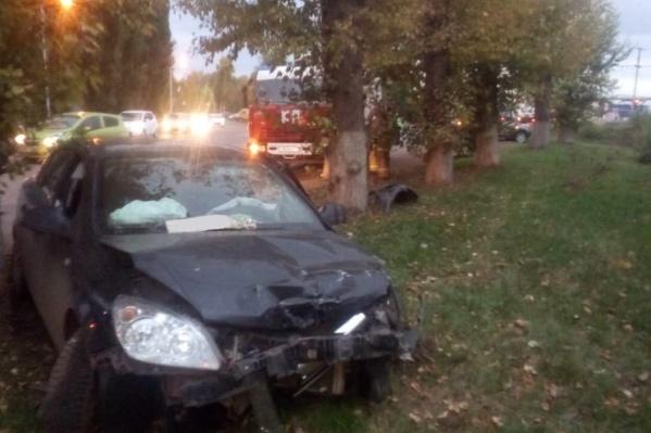 Opel пострадал больше всех — перед автомобиля разбило от удара