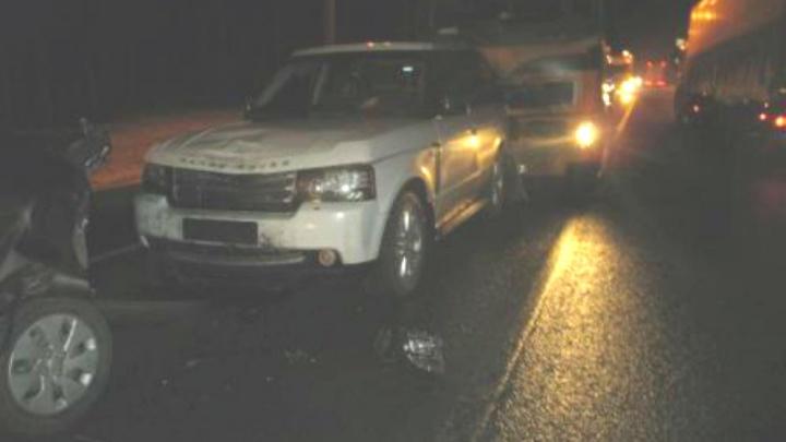 ДТП с шестью машинами на трассе М-8: пострадали мама с дочкой