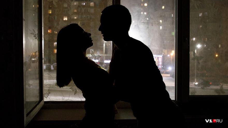 «Всем давать — сломается кровать»: практикующий психолог о женских рецепторах на плохих мужчин