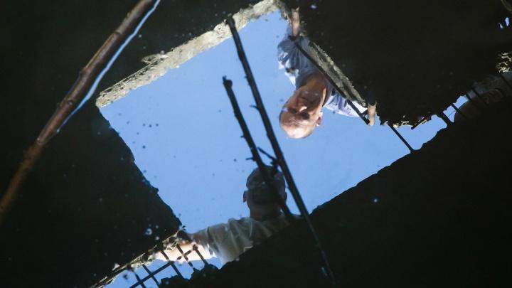 Под Волгоградом инвалид утонул в водопроводном колодце