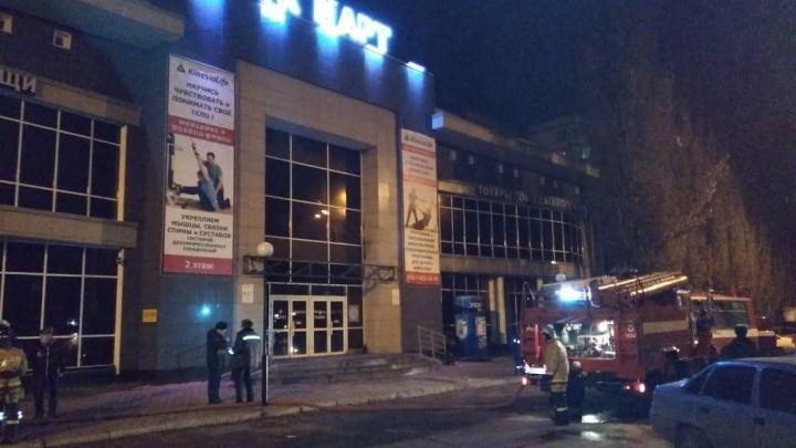 В Уфе вспыхнул торговый комплекс «Март»