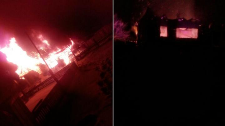 В Башкирии при пожаре в собственном доме погиб мужчина
