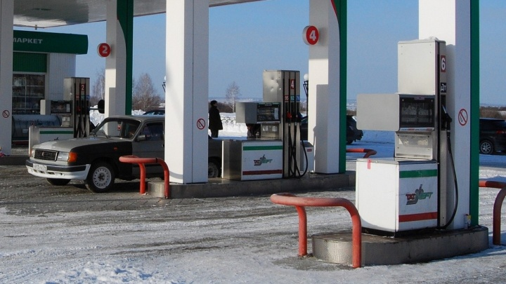 Не мир, но перемирие: к чему приведет продление соглашения о заморозке цен на бензин