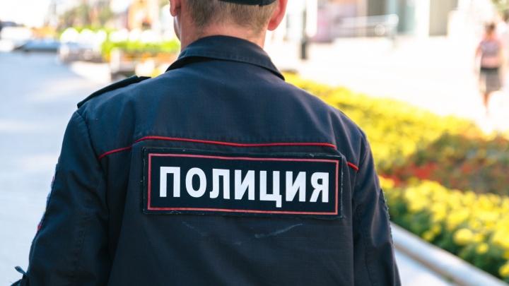 Сосед помог: полицейские нашли у жителя Сызрани 1 кг наркотиков и теплицу конопли