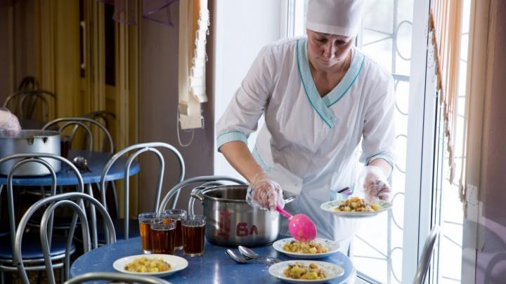 Департамент образования проверил жалобы о червяках в школьном супе: результаты