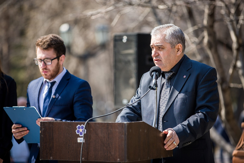 Митинг открыл председатель новосибирского отделения Союза армян РоссииАртур Хачатрян